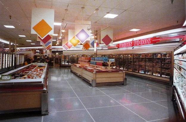 80's store - neon frozen food sign